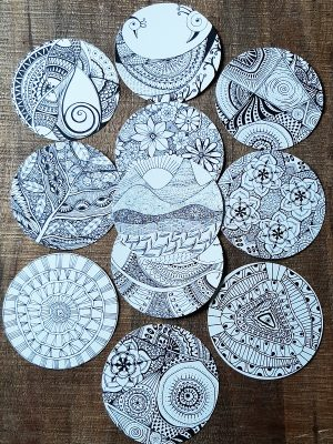 set of circle doodle coloring card