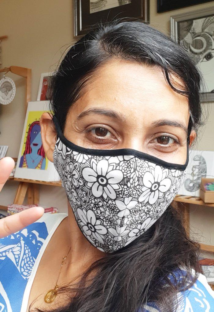 I am miracle flower doodle art mask - white