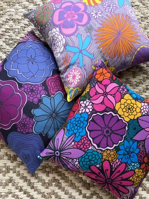 Accent-pillows-flowers-all-1