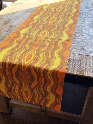 Haven's dessert sun - orange table runner